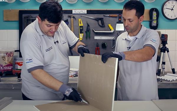 Como cortar placa de Drywall